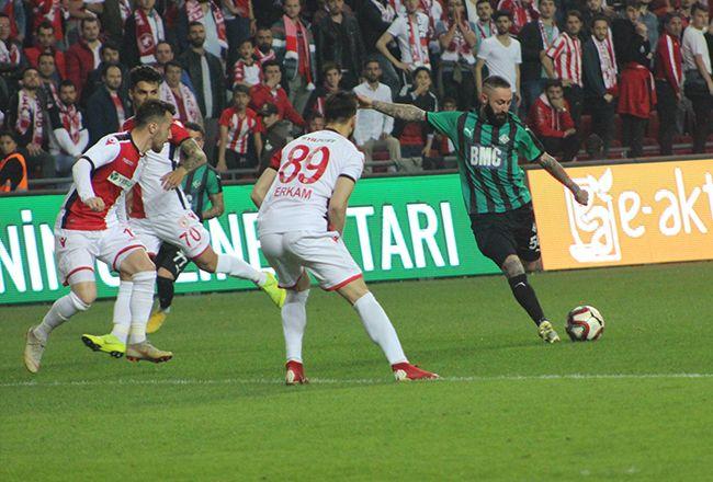 Samsunspor-Sakaryaspor Maç Özeti: 0-0