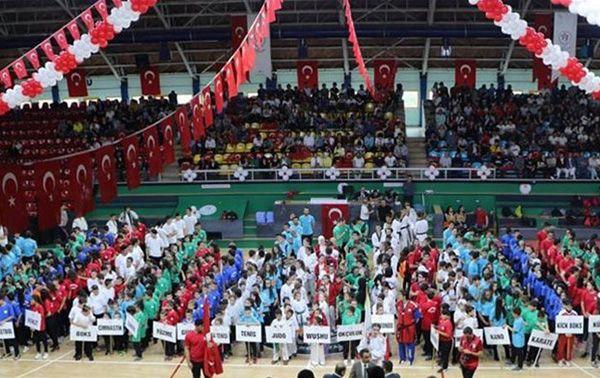19 Mayıs Atatürk Spor Salonu'nda kutlanacak