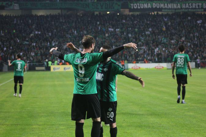 Sakaryaspor finale adını ilk maçta yazdırdı: 4-0