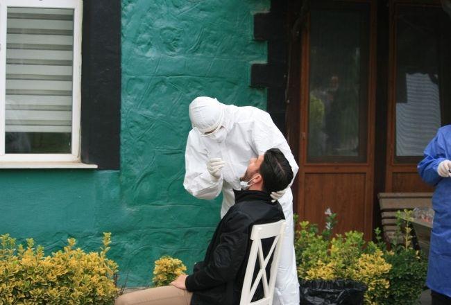 Sakaryaspor'da yeniden koronavirüs testi yapıldı