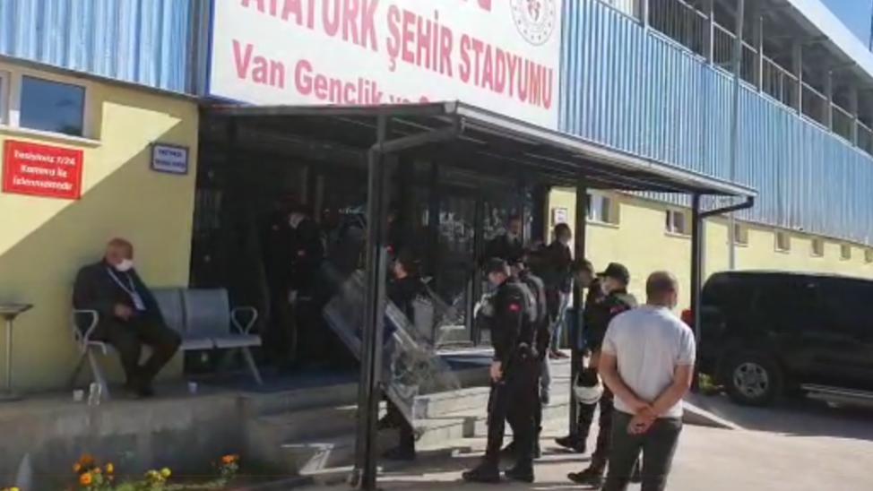 Vanspor-Sakaryaspor maçında geniş güvenlik önlemleri