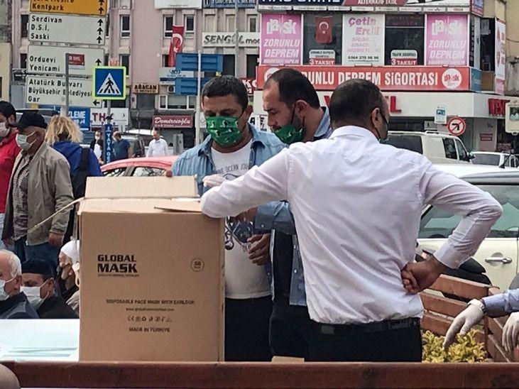 Akkuş'un söz verdiği 54 bin maske dağıtıldı