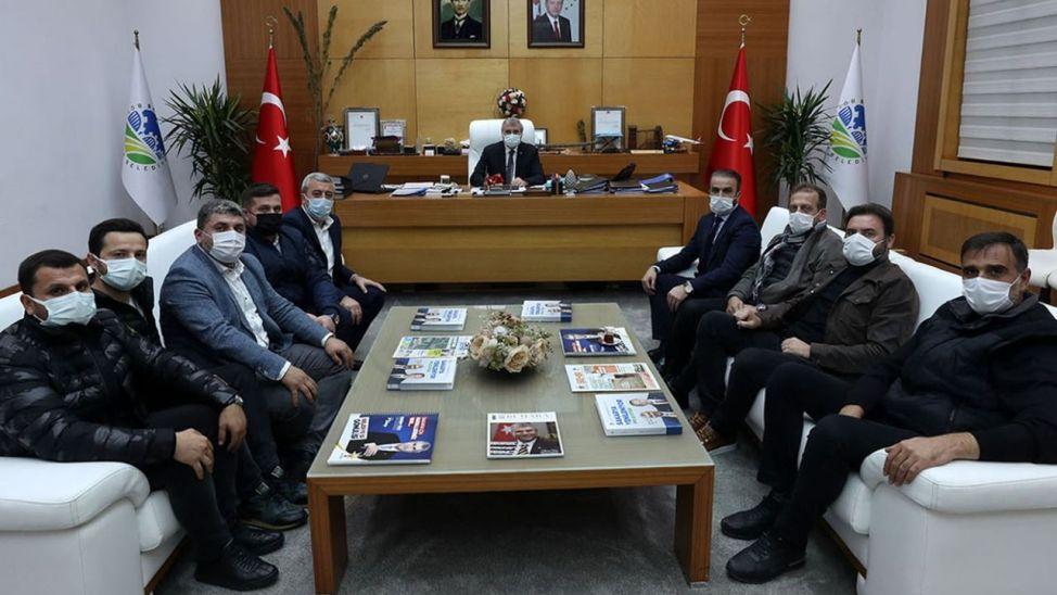 Cumhur Genç ve yönetimi Başkan Yüce'yi makamında ziyaret etti