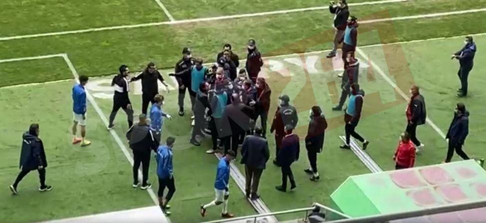 Penaltıyla gelen gol sonrası yedek kulübeleri karıştı