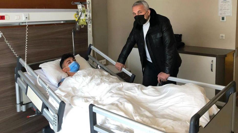 Babaoğlu, ameliyat olan Alpay'ı ziyaret etti