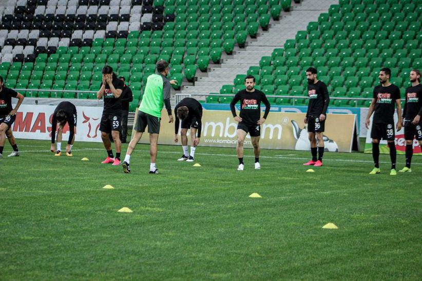 Sakaryaspor-Vanspor maçında Filistin unutulmadı