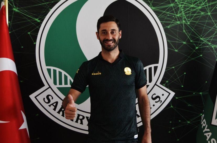 Tahir Babaoğlu Sakaryaspor'da!
