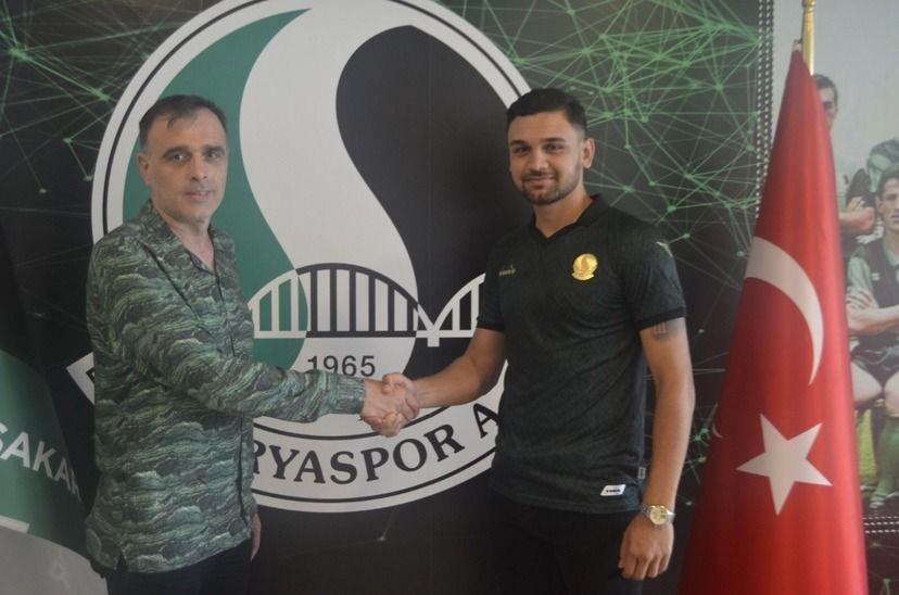 Sakaryaspor'dan bir stoper transferi daha!