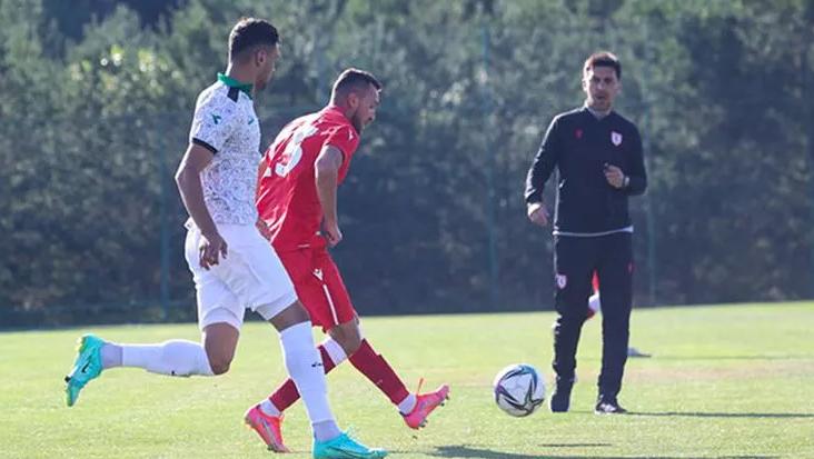 Samsunspor-Sakaryaspor maçına hakem gelmedi!