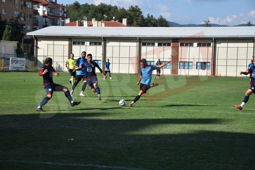 Hendekspor, Zonguldak Kömürspor'u 3-0 mağlup etti