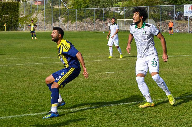 Sakaryaspor'a kötü haber! Bayburtspor maçına yetişmeyecek