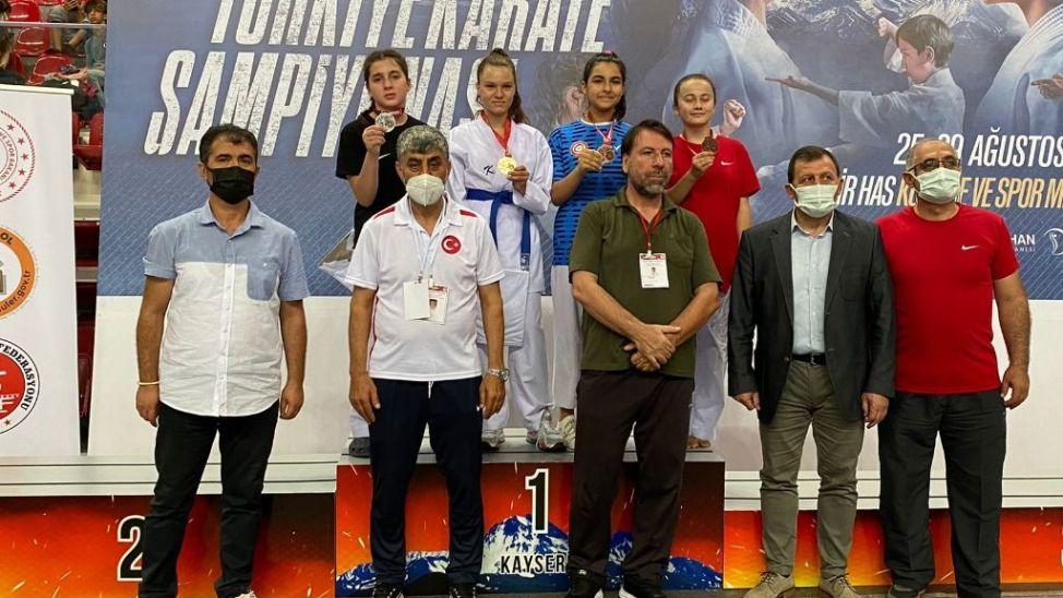Yıldızlar Türkiye Şampiyonasında Sakaryalı iki sporcudan gümüş madalya!