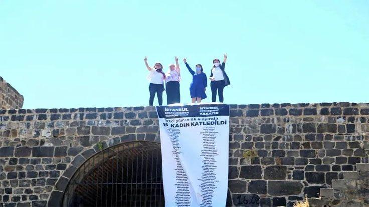 HDP'li Vekiller Diyarbakır Surlarına Pankart Astı