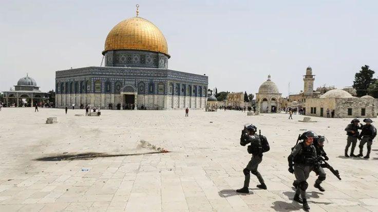 İsrail Ordusu Mescid-İ Aksa'da Filistinlilere Saldırdı