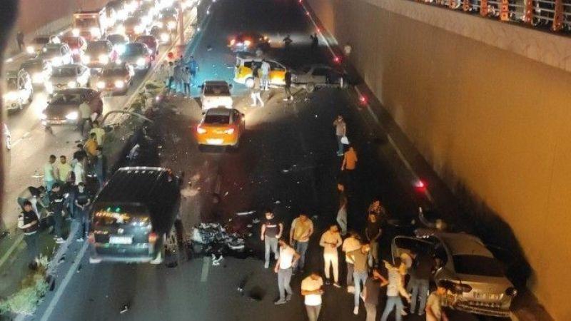 Diyarbakır'da Trafik Kazası: 2 Ölü, 8 Yaralı