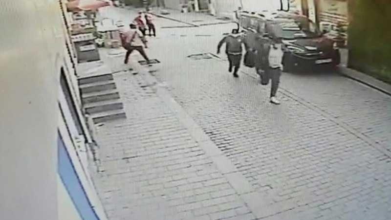 İstanbul'da Soygun Girişimi: Hırsızlardan 3'ü Polis Çıktı!