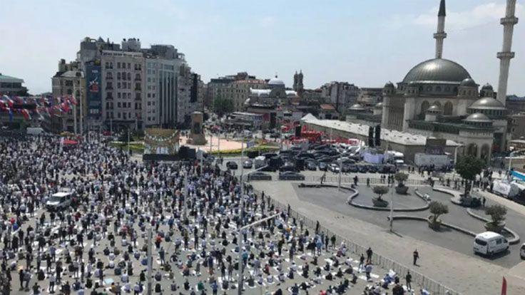 Taksim'de Cami Açılışı İçin Binlerce Kişi Toplandı