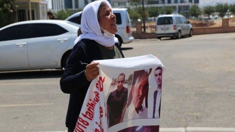 Şenyaşar Ailesi'ne Polis Müdahalesi: Pankart Suç Sayıldı