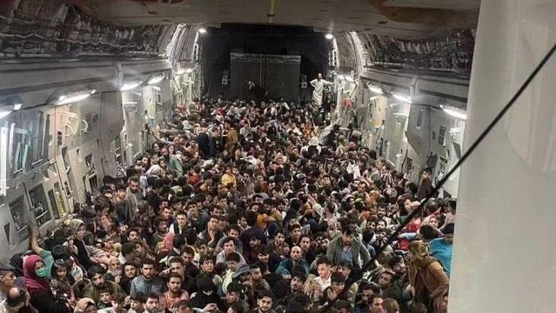 150 Kişilik Uçağa 640 Kişi Binerek Taliban'dan Kaçtılar