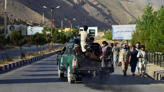 Afganistan'da karşı direniş: 60 Talibanlı öldürüldü