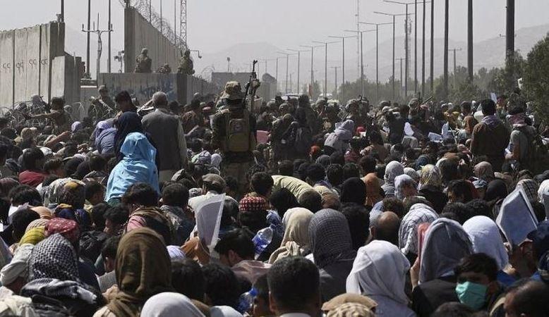 Kabil Havalimanı'nda 7 kişi ezilerek hayatını kaybetti