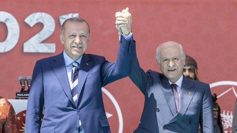 """""""Erdoğan ve Bahçeli MHP'nin Yüzde 10 Oy Alacağından Emin Olsa Seçim Barajı İndirilir miydi?"""""""