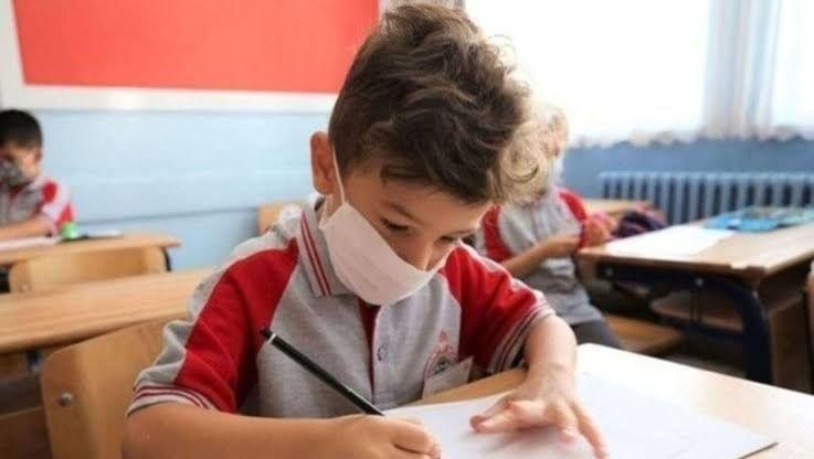 Okul yönetimi ailelere IBAN veriyor