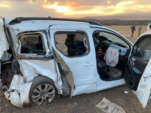 Çaldıran'da Trafik Kazası: Ölü ve Yaralı Var