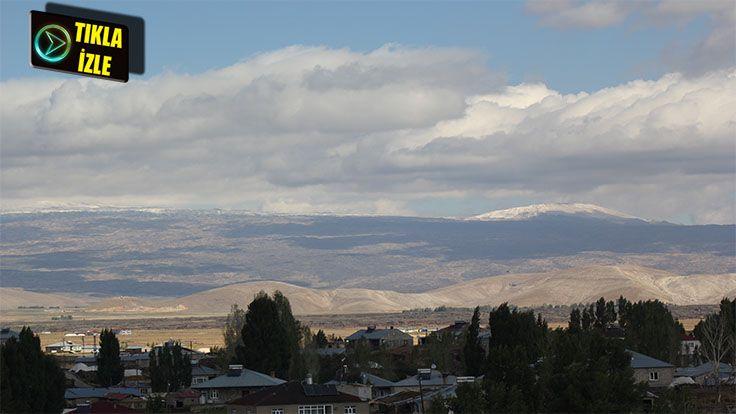 Tendürek Dağı'na Yılın İlk Karı Yağdı