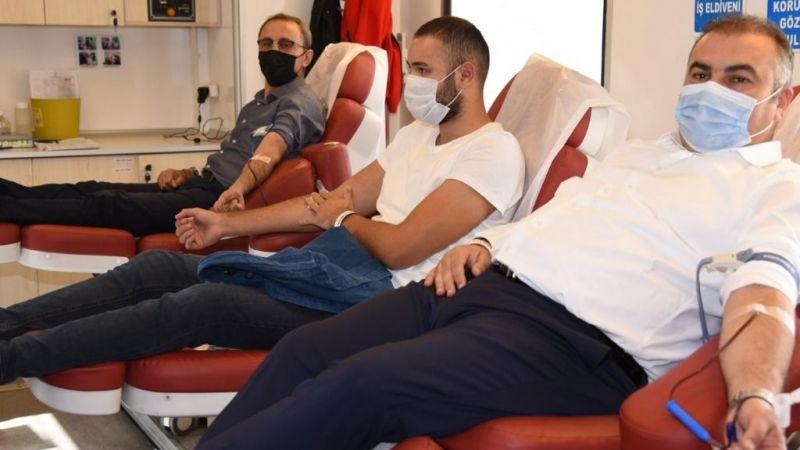 Görele Belediye Başkanı Tolga Erener, kan bağışında bulundu