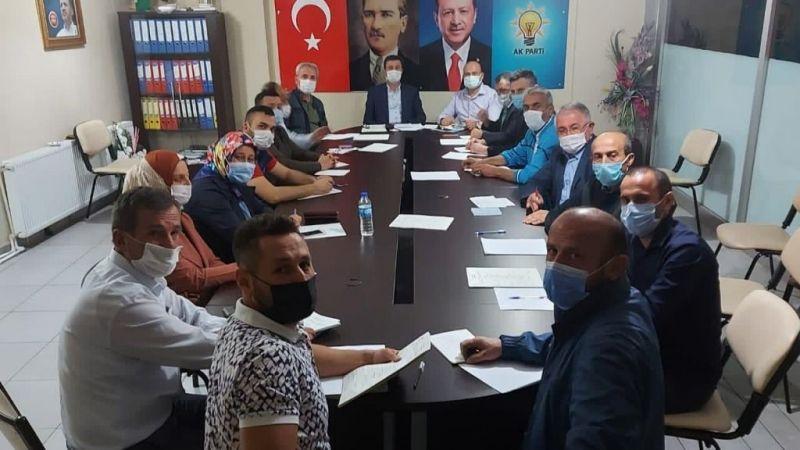 Ak Parti Eynesil ilçe yönetimi ilk toplantısını yaptı