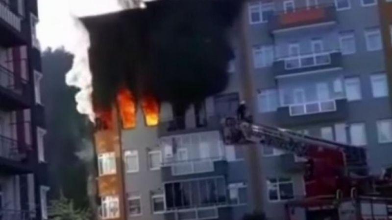 Yangında apartman dairesi kullanılamaz hale geldi