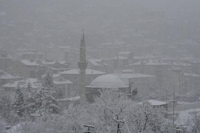 Karadeniz'deki 4 ilde kar etkili oluyor