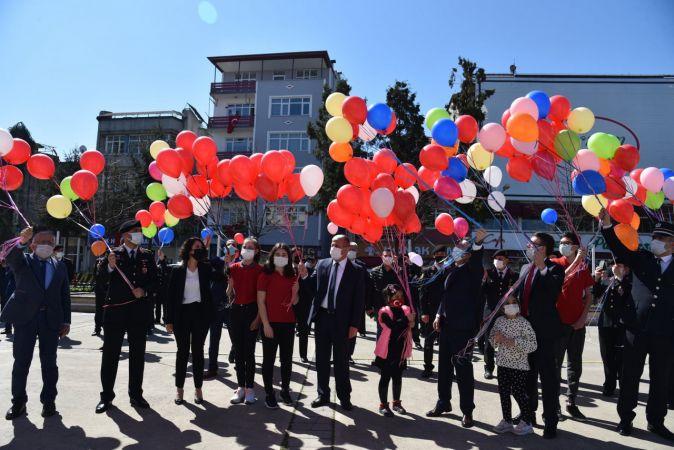 Espiye ve Eynesil'de 23 Nisan Ulusal Egemenlik ve Çocuk Bayramı törenlerle kutlandı