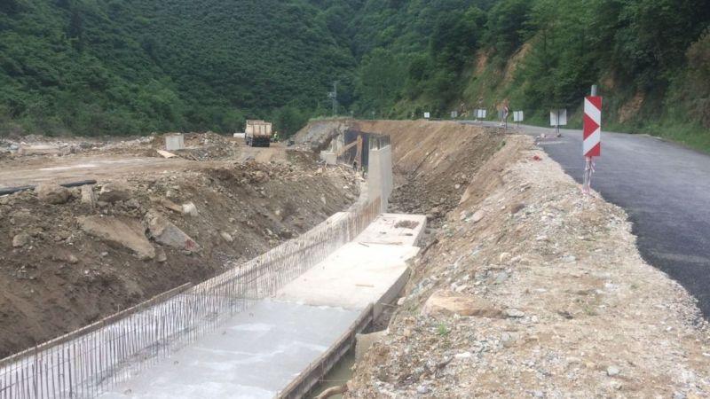 Yağlıdere - Alucra kara yolunda hasar onarım çalışmalarına başlanıldı