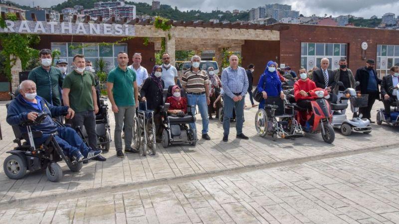 Tır Dolusu Sağlık Gereci Belediyeye Bağışlandı