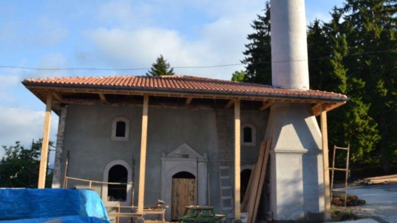 Boztekke Köyü Şeyhkeramettin Camii'nde restorasyon devam ediyor