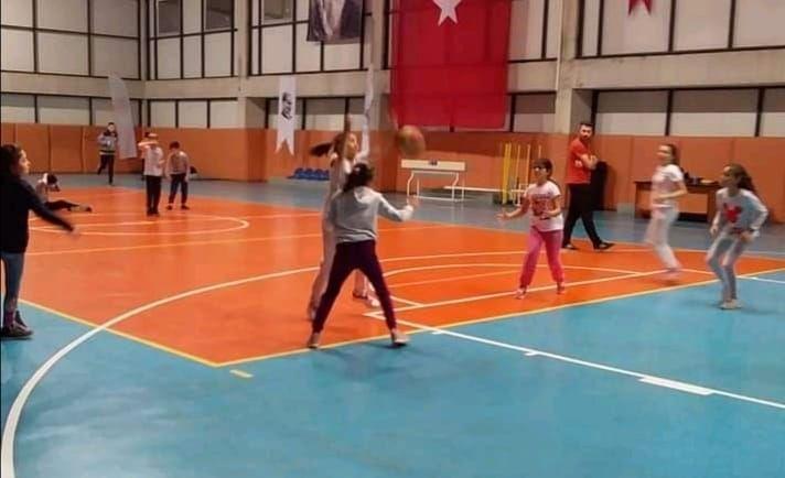 Eynesil'de Basketbol Okulu Açıldı