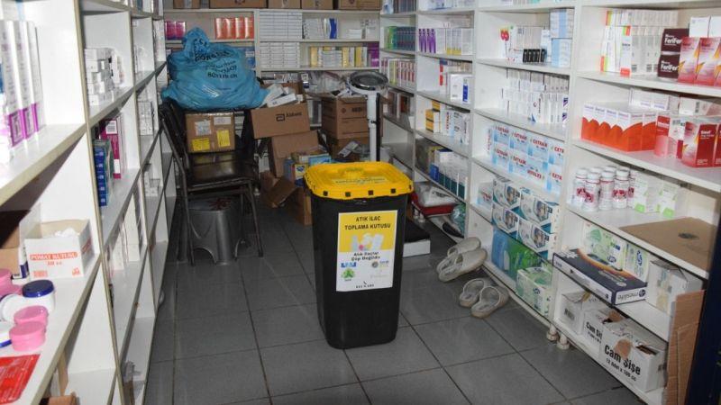 Espiye Belediyesi eczanelere atık ilaç toplama kutuları dağıttı
