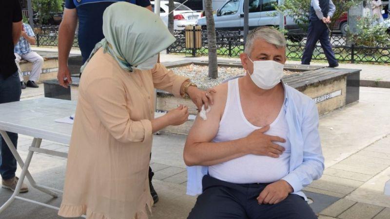Espiye Kaymakamı ve Belediye Başkanından aşı kampanyasına destek