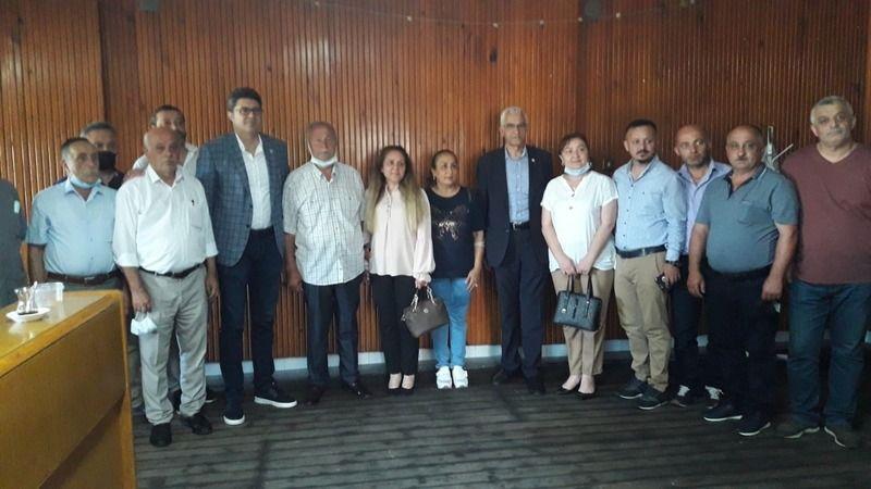Eynesil'de esnaflar CHP Milletvekillerine marketleri şikayet etti
