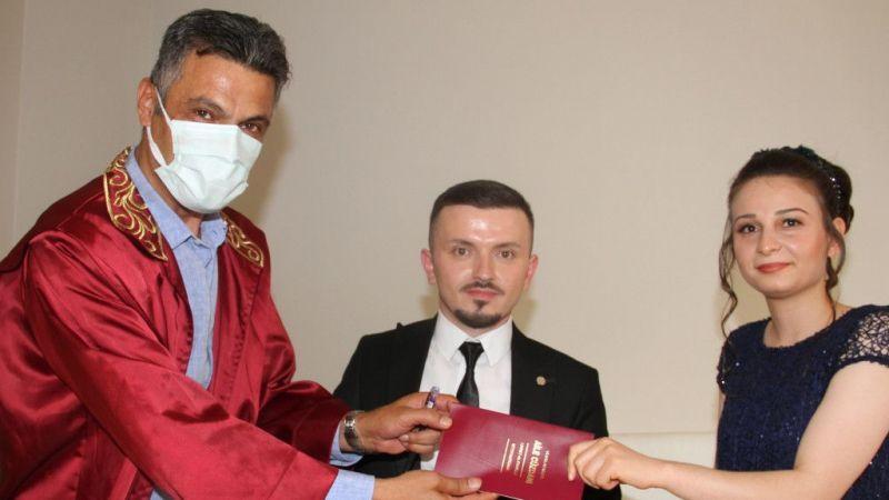 Yağlıdere Belediye Başkanı İbaş, konuşma ve işitme engelli çiftin nikahını işaret diliyle kıydı
