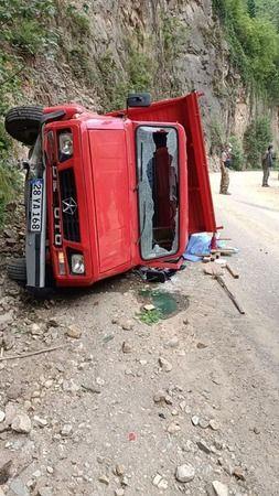 Giresun'da minibüs devrildi: 7 yaralı