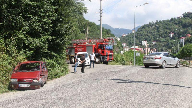 Giresun'da iki otomobil çarpıştı: 10 yaralı