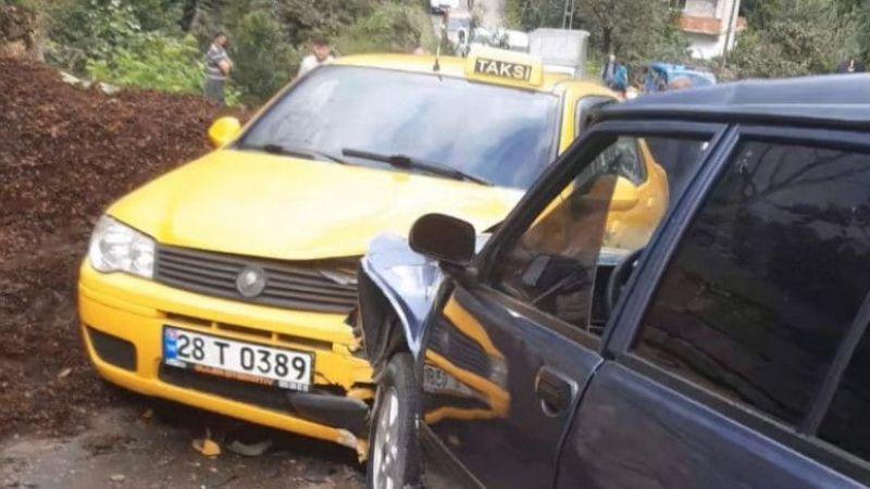 Giresun'da taksi ile otomobil çarpıştı: 3 yaralı
