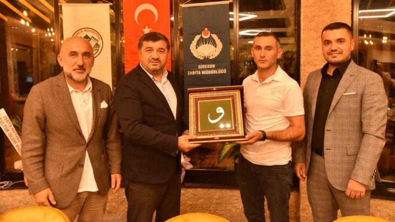 Başkan Şenlikoğlu, Yılın Zabıtasını Ödüllendirdi