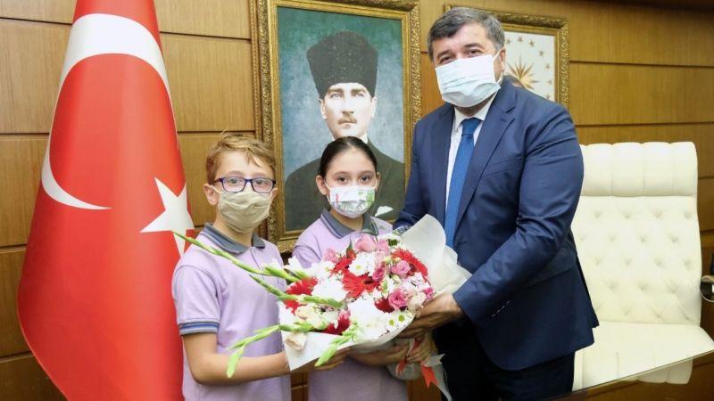 Öğrencilerden Başkan Şenlikoğlu'na Ziyaret