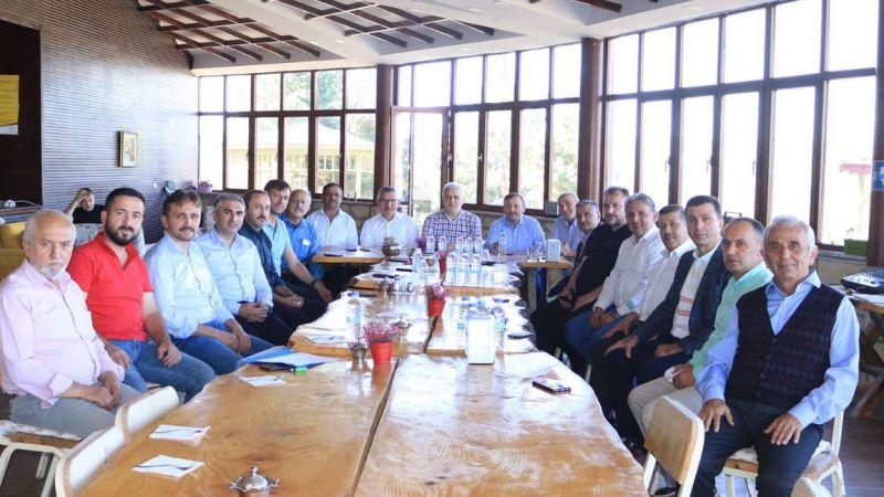 Ak Parti İlçe Başkanları Alucra'da Toplandı