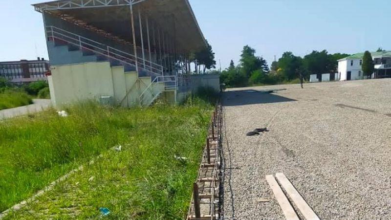 Espiye Stadı'nda Yenileme Çalışmaları Başladı