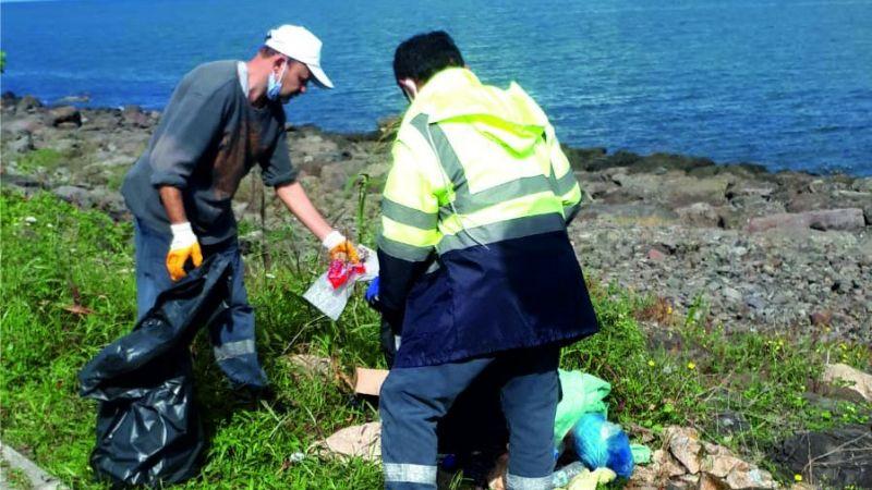 Görele Belediyesi'nden sahilde çöp temizliği